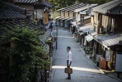 """일본, 하루 확진자 49일만에 50명 미만...""""실제 감염자 20배인지 아무도 몰라"""""""