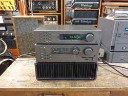 영국 QUAD 쿼드 사의 FM4튜너와 44프리엠프 405-2파워엠프 조합입니다 -A급 신형-