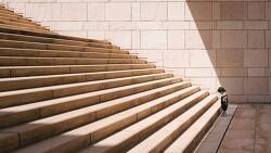 계단 오르며 필사하는 참새같은 삶