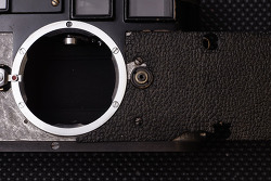 Leica M3 Vulcanite Extraction and Skin Re-Covering. (라이카 오리지널 볼커나이트 교체/거인광학)