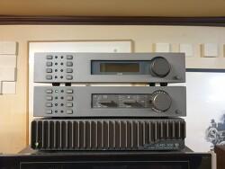 보기드믄 영국 QUAD 34프리엠프와 405 파워엠프 FM4 튜너 조합입니다-세기전자30주년기념작-