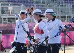 한국 양궁 여자단체전 9연패 명중
