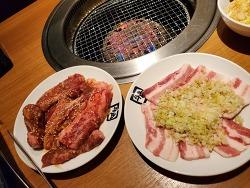 일본의 고깃집 고기는 접시에 조금씩 나온다