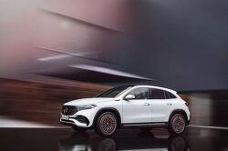 메르세데스-벤츠(Mercedes-Benz)가 300마일(486km) 미만의 EQA 전기 크로스오버를 공개