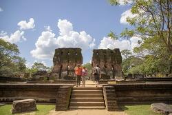 스리랑카의 경주 - 폴론나루와 투어 1