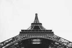 Gustave Eiffel Had His Own Private Apartment at the Top of the Eiffel Tower 구스타브 에펠은 에펠타워 꼭대기에 자신의 아파트를 가지고 있었다