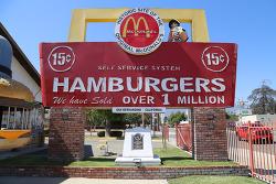 최초의 원조 맥도날드 햄버거 가게가 있던 곳, 샌버나디노의 맥도날드 박물관(McDonald's Museum)