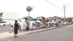 일본- 폭염과 코로나 대비 양산 등교