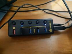 씽크웨이 CORE D41 USB3.0 5포트 충전겸용 허브