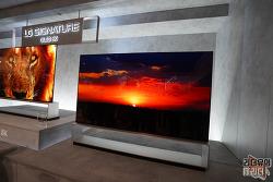 """알쏠달쏭 IT, OLED TV (올레드TV) VS QLED TV 차이의 핵심은 """"백라이트"""""""