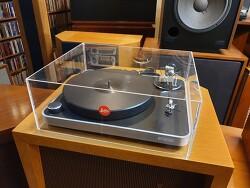 독일 클리어 오디오 (Clear Audio) Concept 턴테이블 입니다 -A급 SHURE97EX 신품 카트릿지 채용-