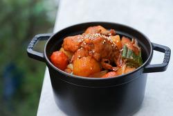 진심 추천! 인생 닭볶음탕 레시피 - 후회 하지 않는 쉽고 맛있는 닭도리탕 만드는 법