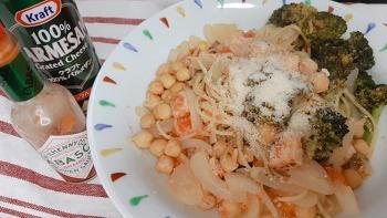 병아리콩과 토마토로 만든 파스타