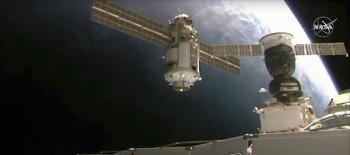 ISS, 러 우주모듈 나우카 도킹 뒤 45도 기울어…정상 되찾아