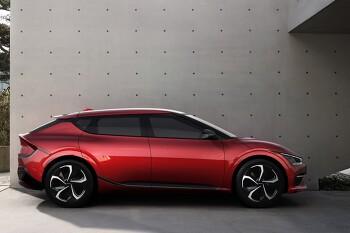 기아 EV6 정식 판매 가격 공개 - 스탠다드 에어 4,730만 원부터, 롱레인지 에어 5,120만 원부터