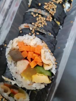 일본에서 김밥 사먹기.(김말이 초밥 아니고!)