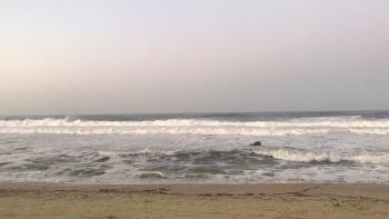 태풍이 지나간 후 경포해변