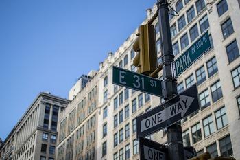 [북드라망리뷰대회당선작] 뉴욕과 책과 사람과 삶의 젊은 이야기 & 청년, 어떻게 다음으로 나아갈 것인가? & 가르침과 배움의 응수타진 & 사방으로 향하는 미완의 선분