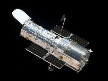 Hubble Space Telescope (HST) is back  허블우주망원경이 돌아왔다
