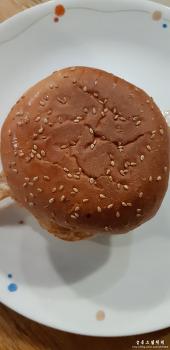 햄버거 만들어 먹었어요