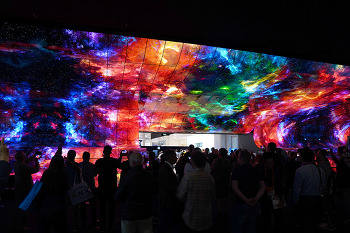 무엇이 올레드(OLED)와 LED TV의 차이를 만드는가. 바로 백라이트