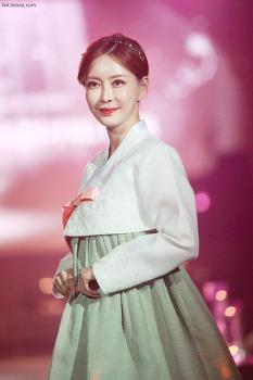 2019 시크릿가든 웨딩페어 모델 민수아 한복 사진