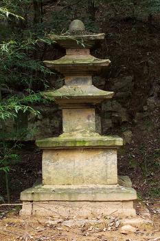 시도유형문화재 제10호 운산리삼층석탑