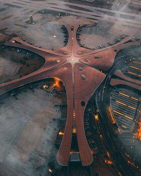 중국 베이징, 세계 최대 규모 공항 개항