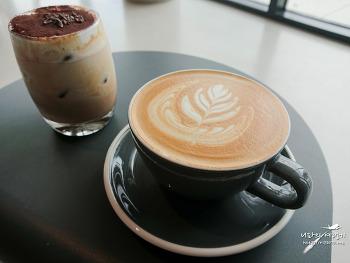 경주 LLOW (엘로우) 카페