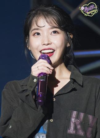 [2019.12.01] 아이유 대만 콘서트 앵앵콜 직찍