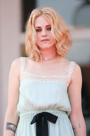 베니스 영화제 달군 크리스틴 스튜어트의 '스펜서' 2022년 개봉