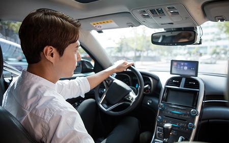 """[슬기로운 앱생활]  """"어서와, 운전은 처음이지?"""" 초보 운전자들을 위한 앱 추천"""