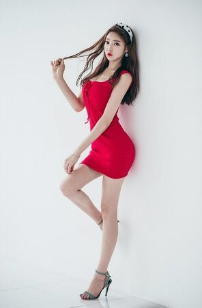 Woman in red 020