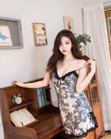 Girl's Fashion 301