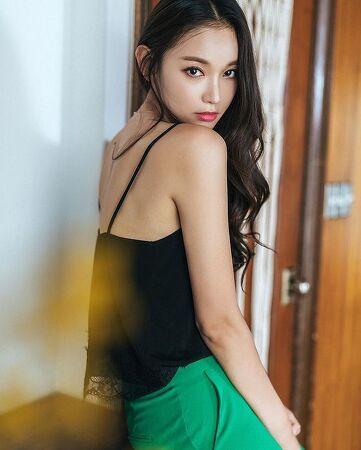 Girl's Fashion 073