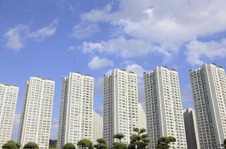 10월부터 서울·과천·분당 투기과열지구에 분양가상한제 적용