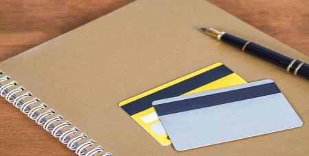 """[금융정보 A to Z] """"신용·체크 카드, 이렇게 사용하면 연말정산에 유리해요!"""" 연말정산 환급금 늘리기 위한 카드 사용 꿀팁 5!"""