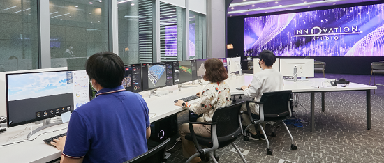 DX혁신도 메타버스로!  LG CNS 이노베이션 스튜디오
