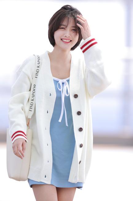 190428 김유정 인천공항 출국