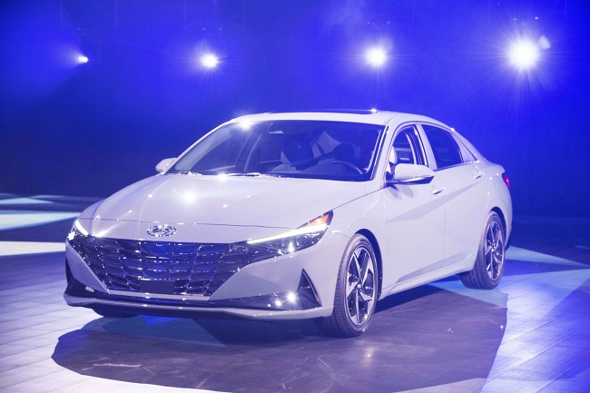 현대차, '올 뉴 아반떼' 세계 최초 공개