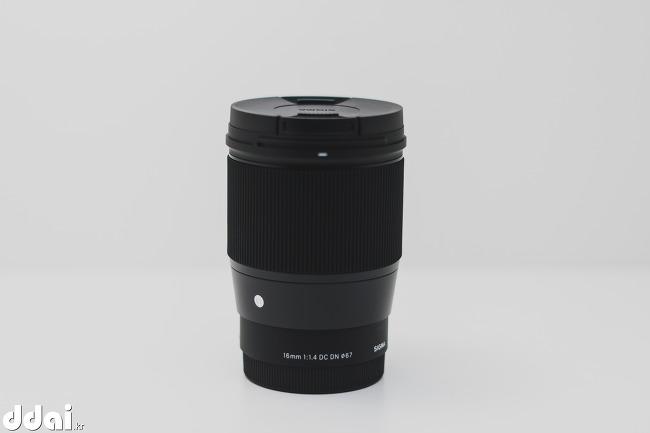 시그마 16mm F1.4 DC DN 개봉기
