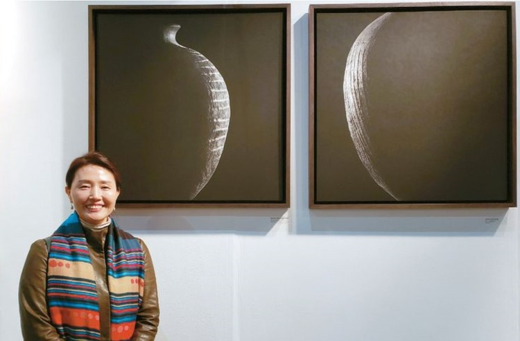 사진, 그림 속 도자기, 한국의 멋을 담다 (하랑갤러리 LA아트쇼 전시, 미주중앙일보)