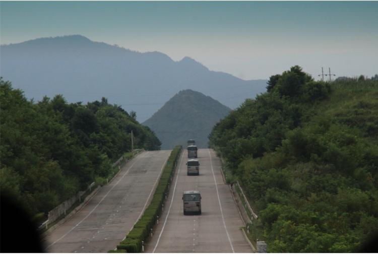 남남, 남북 사이 '중간'은 불가능한 영토일까