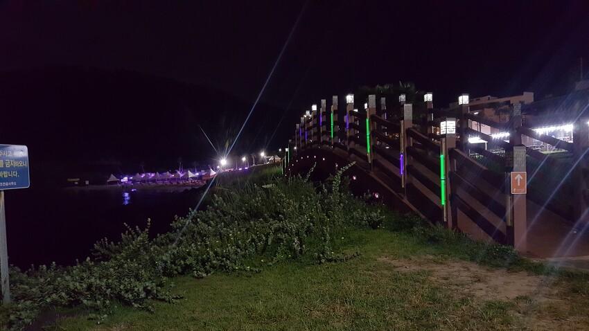 제주도 함덕 해수욕장 야간에 걸어 볼만한곳 - 함덕 해수욕장 잔디공원 -