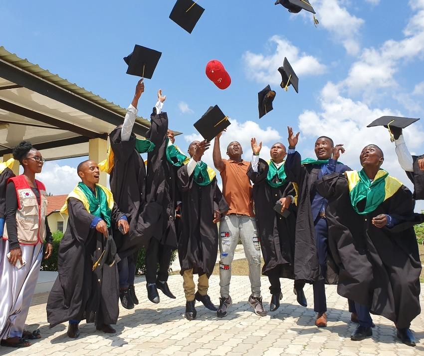 [아름다운나눔] 탄자니아 보리가람농업기술대학교 1회 졸업식