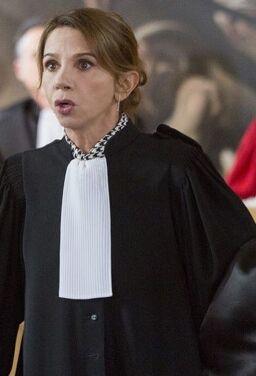 글로리아, 악마의 변호사
