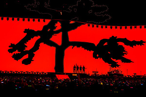 U2, 43만에 열린 첫 내한공연