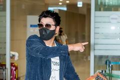 송강호,'이쪽으로 가는건가요?' [사진]