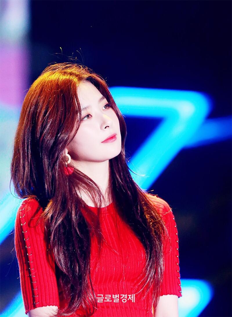 레드벨벳 슬기 복근과 허리라인