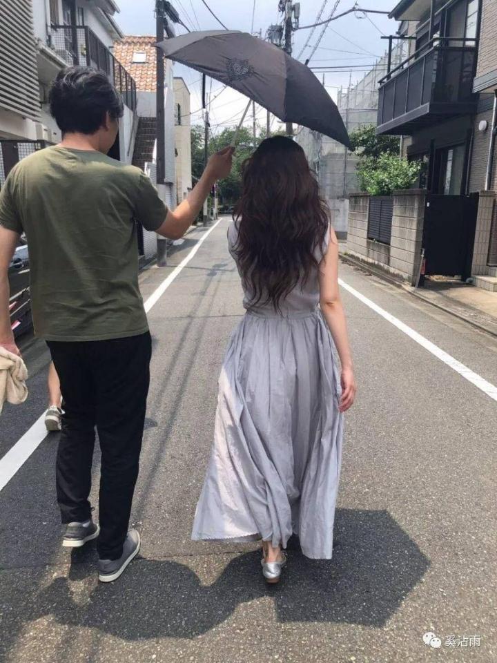 약 9개월만에 복귀하는 AV 배우 - 꾸르